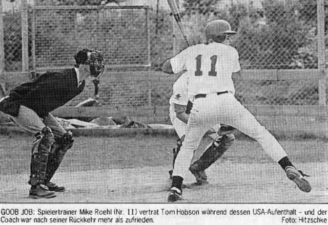 GOOB JOB: Spielertrainer Mike Roehl (Nr. 11) vertrat Tom Hobson während dessen USA-Aufenthalt - und der Coach war nach seiner Rückkehr mehr als zufrieden. Foto: Hitzschke