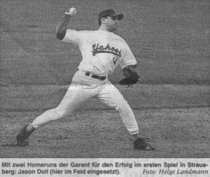 Mit zwei Homeruns der Garant für den Erfolg im ersten Spiel in Strausberg: Jason Doll (hier im Feld eingesetzt). Foto: Helge Landmann