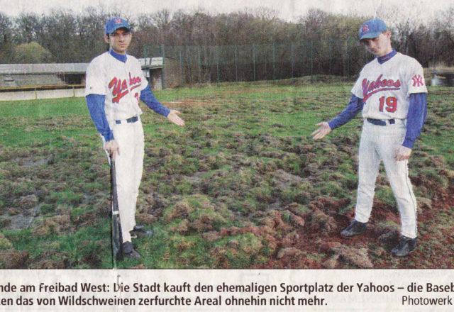 Gelände am Freibad West: Die Stadt kauft den ehemaligen Sportplatz der Yahoos - die Baseballer nutzten das von Wildschweinen zerfurchte Areal ohnehin nicht mehr. Photowerk (mar)